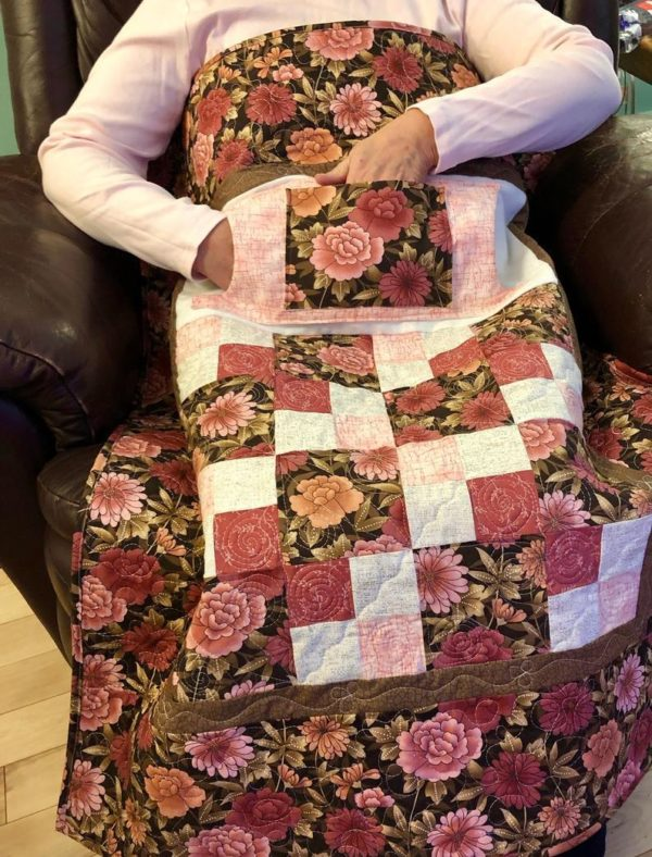 LQUILT - Lap Quilts With Pocket - [Pink and Brown Lovie] - [85 x 105cm] 5d9203fe72a398d6b65a9045